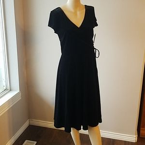 Nwt GNW size 12 black velvet dress